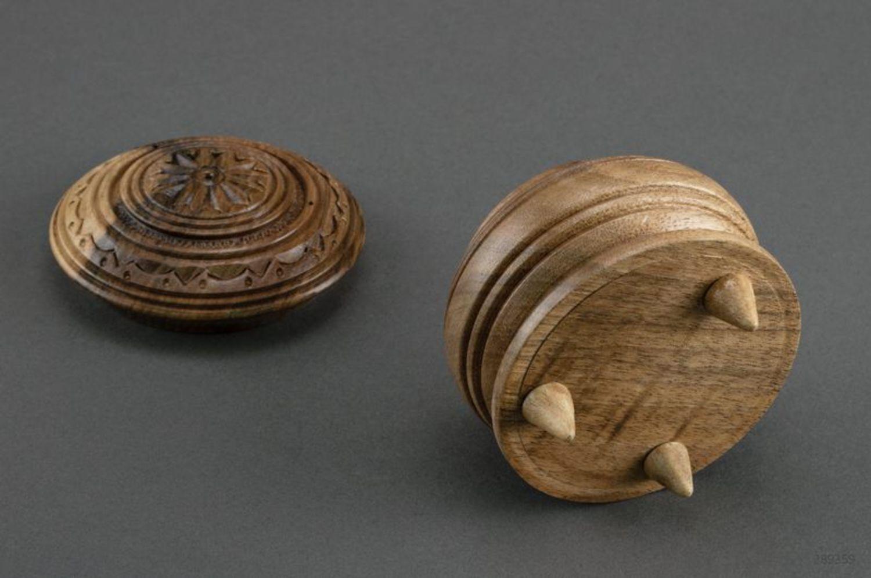 Caja de madera pequeña  foto 2