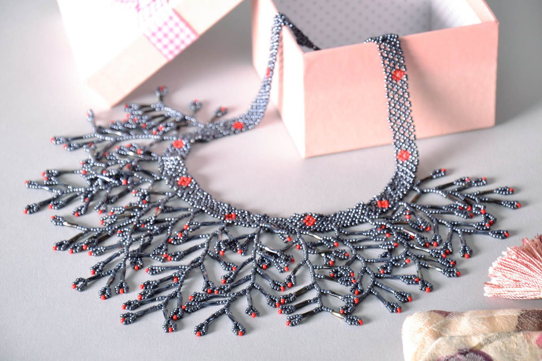 Gray beaded necklace photo 1