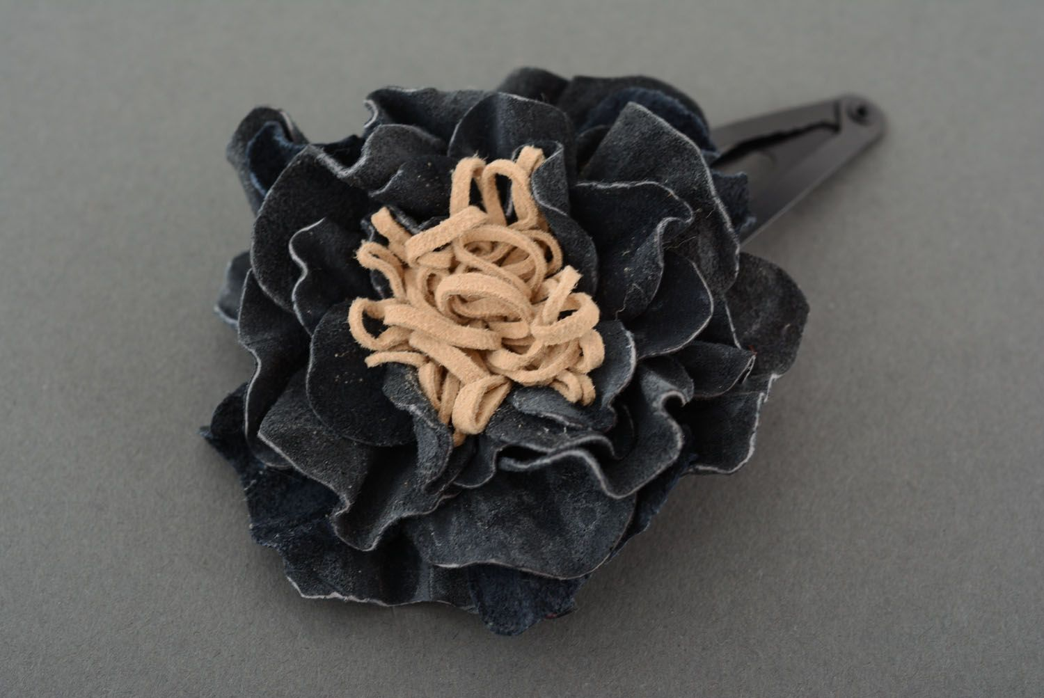 Leather hair clip with flower photo 2