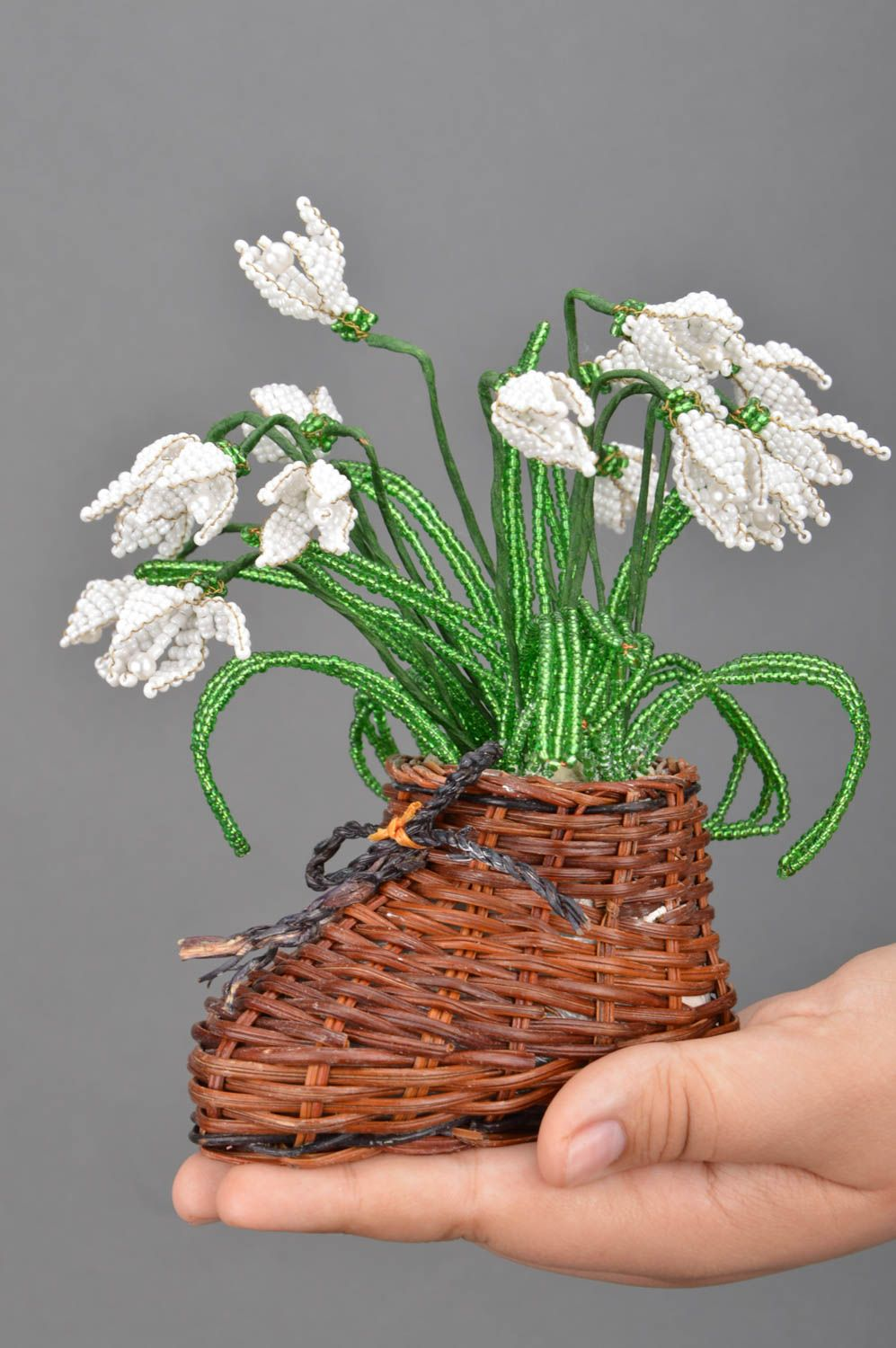 Handmade artificial beaded flower composition in straw boot shaped cachepot photo 3