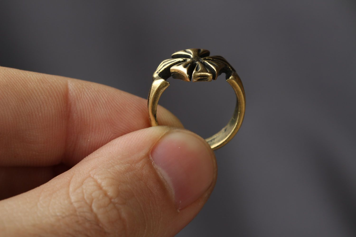 Bronze ring Flower photo 3