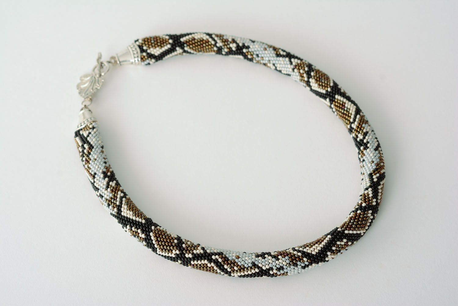 Beaded cord with python skin pattern photo 3