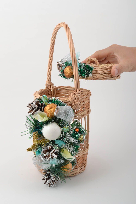 Madeheart canasta trenzada de mimbre decorada para for Decoracion de cestas
