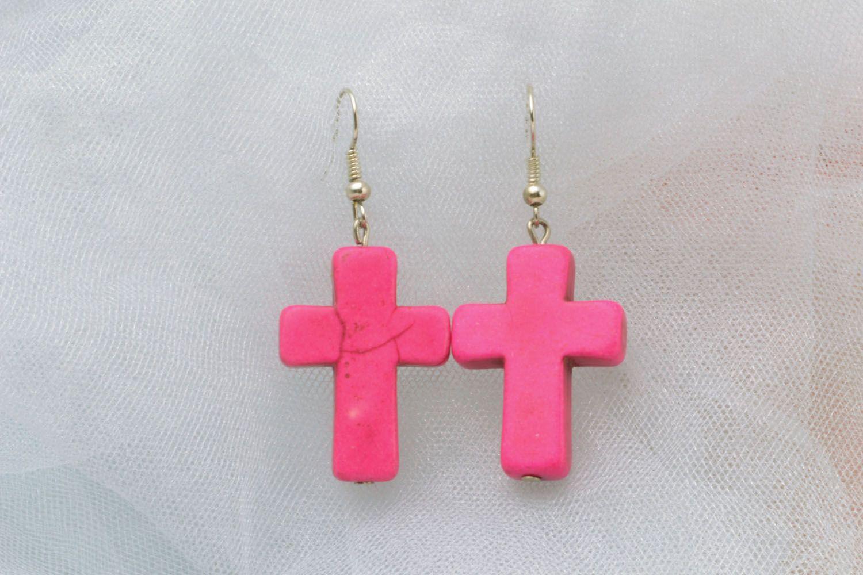 Pink plastic cross-shaped earrings photo 1