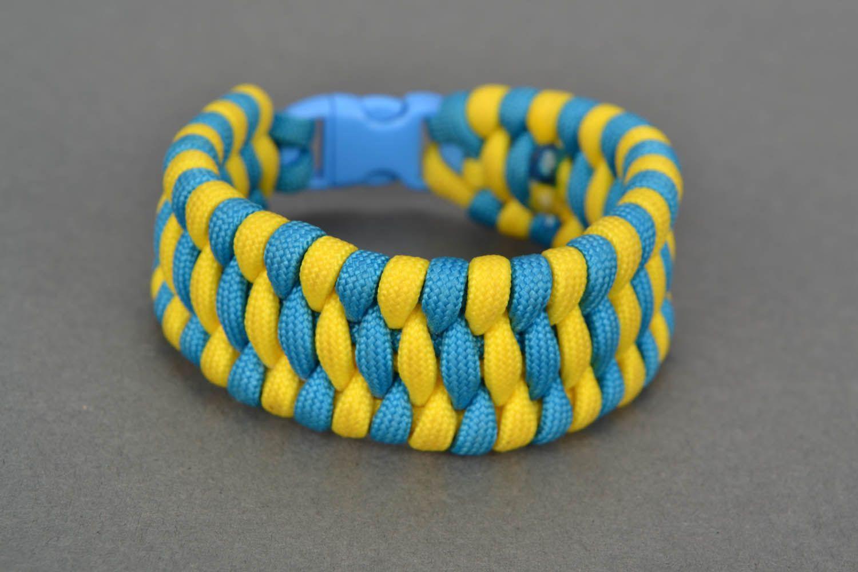 Wide paracord bracelet photo 2