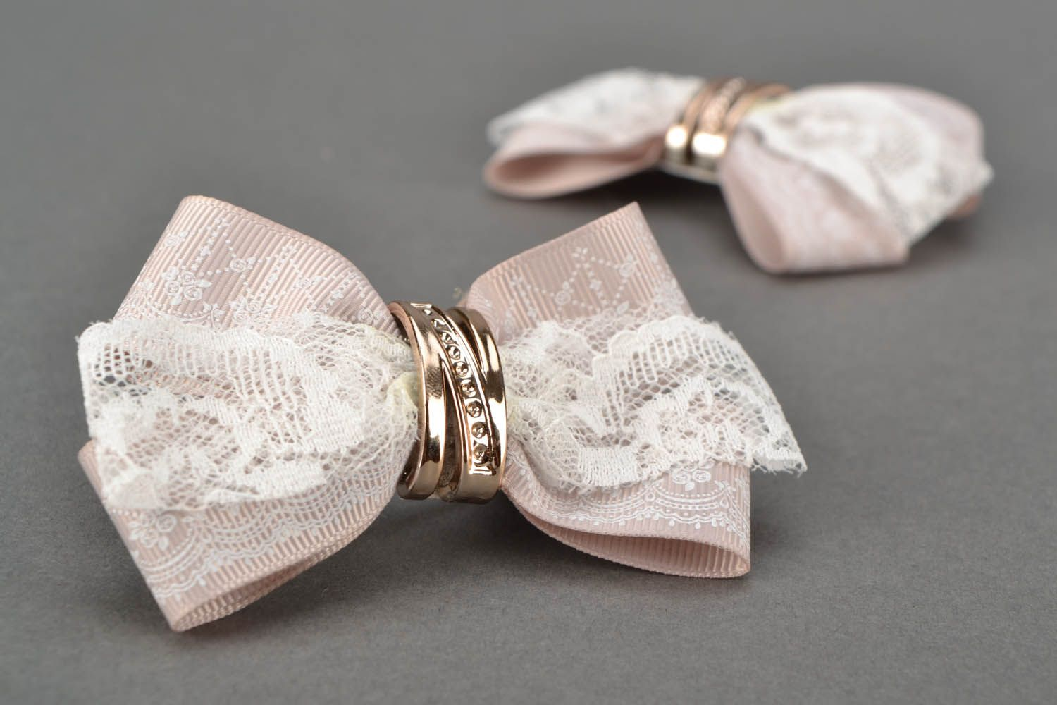 Lace hair clips photo 1