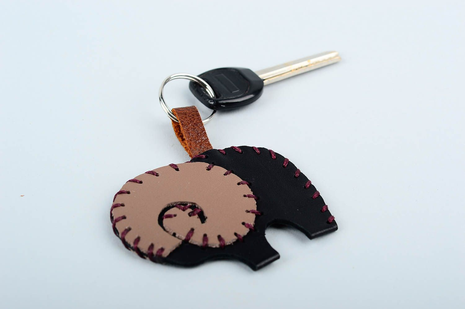 keychains Unusual handmade leather keychain best keychain cool keyrings gift ideas - MADEheart.com