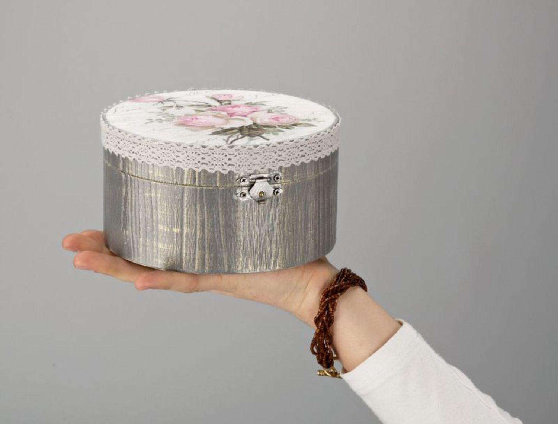 Round jewelry box photo 5