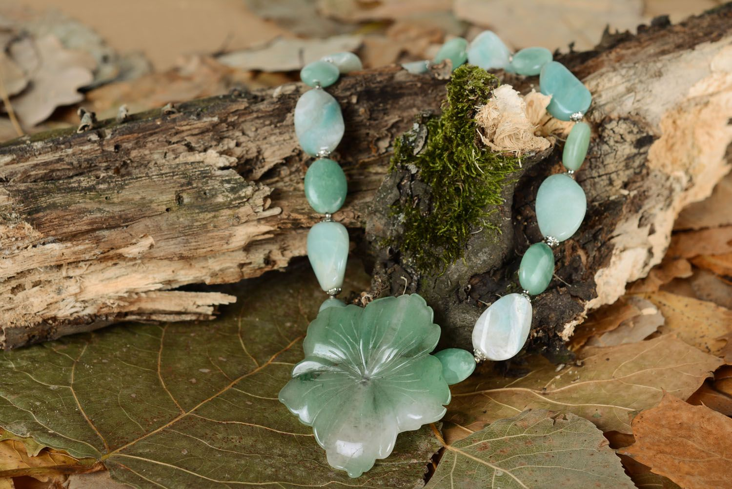 Necklace with natural stones Amazon-stone photo 1
