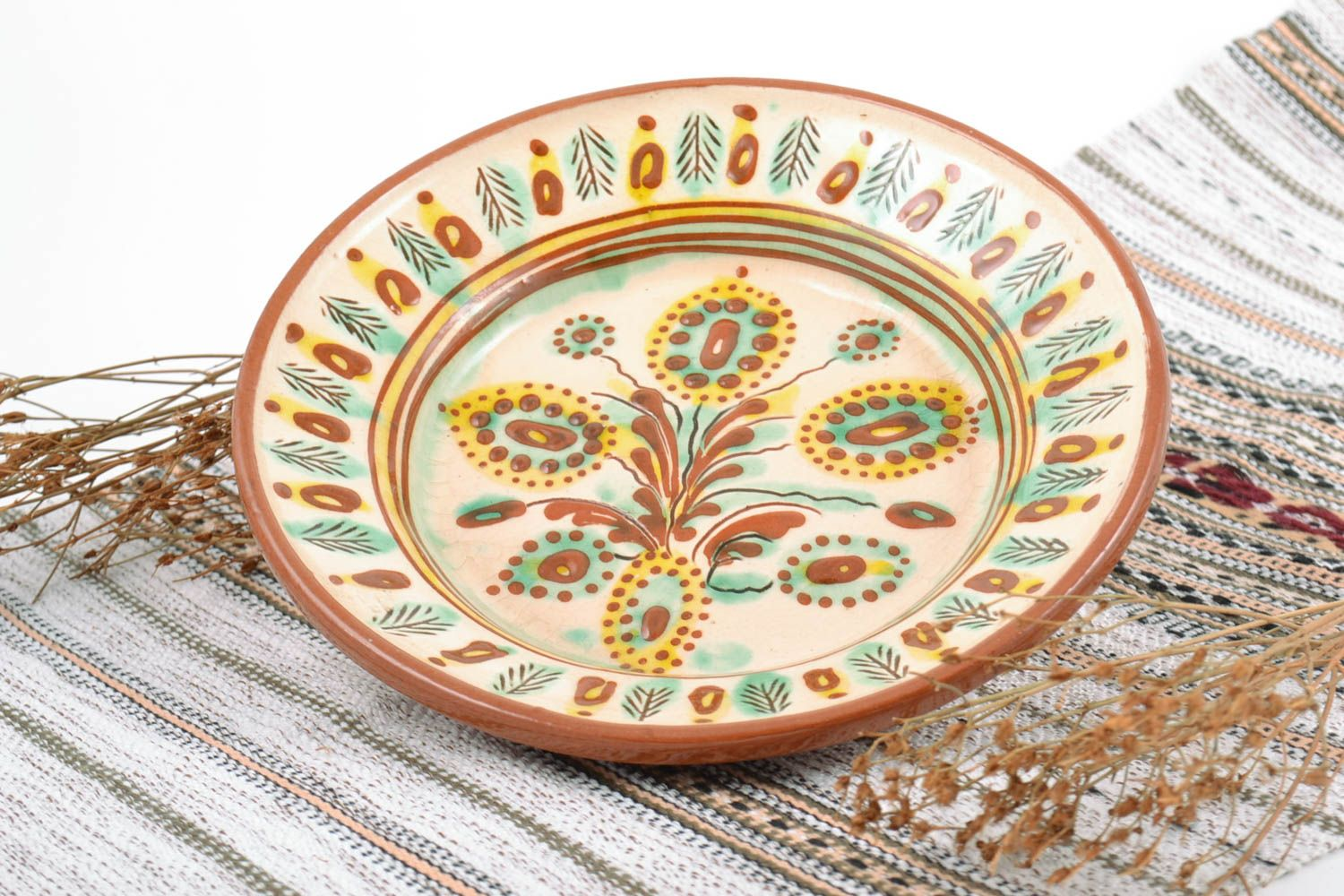 MADEHEART > Handmade decorative wall hanging ceramic plate painted ...