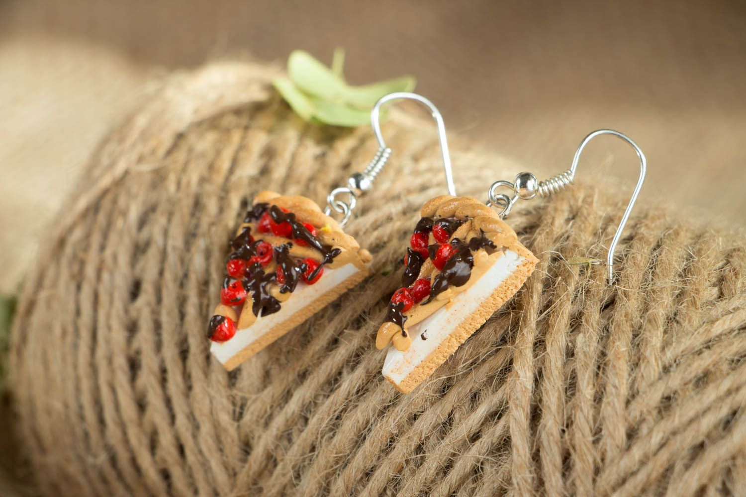 Earrings with charms in the shape of pizza photo 3