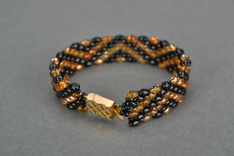 Beaded bracelets with a geometrical pattern photo 4