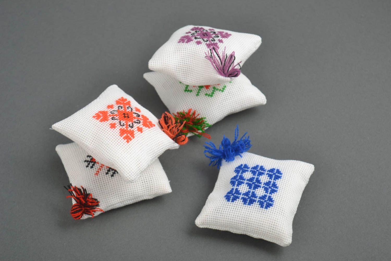 Madeheart alfileteros de tela hechos a mano almohadillas - Cabeceros originales hechos a mano ...