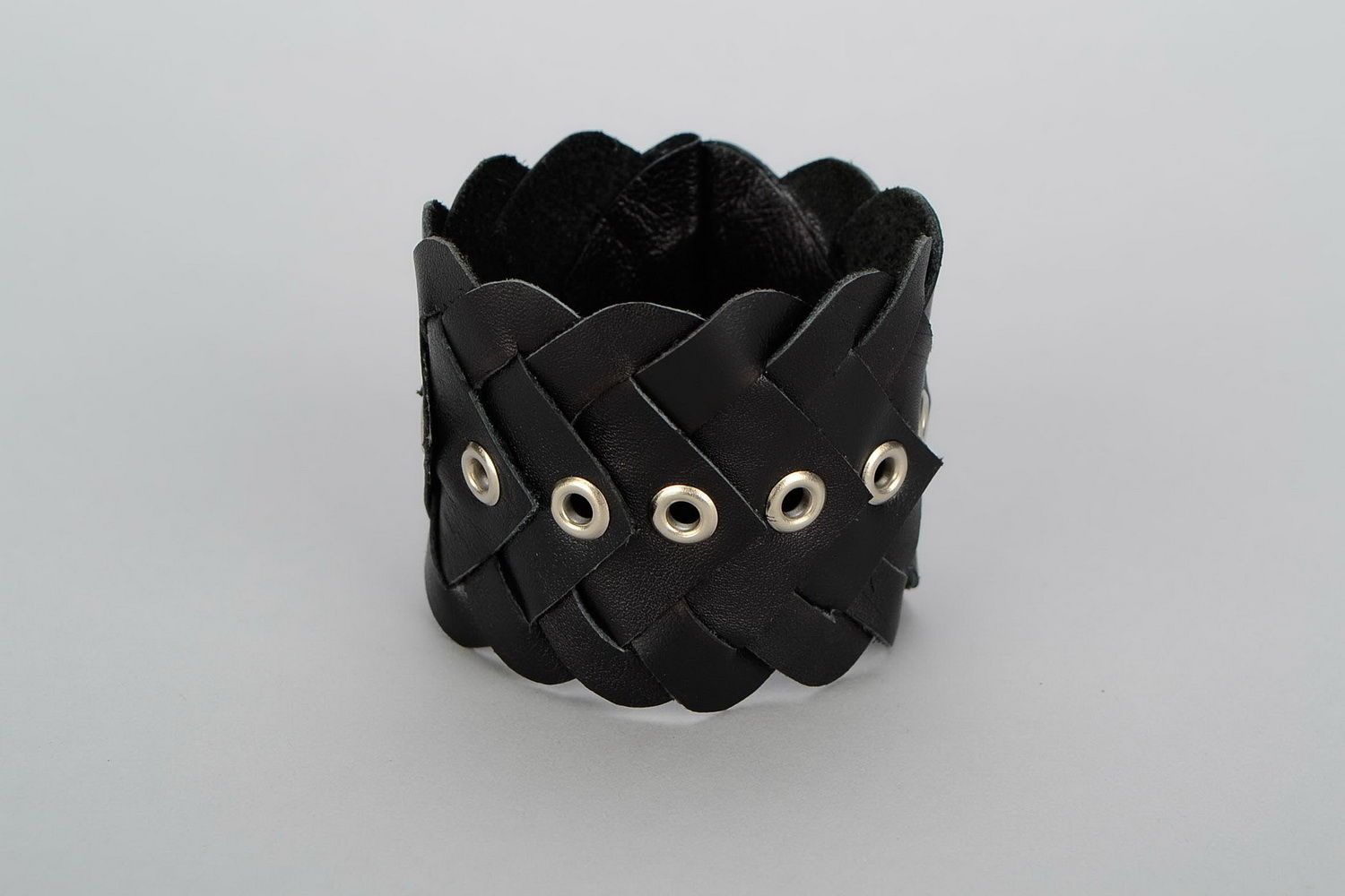 leather bracelets Braided leather bracelet - MADEheart.com