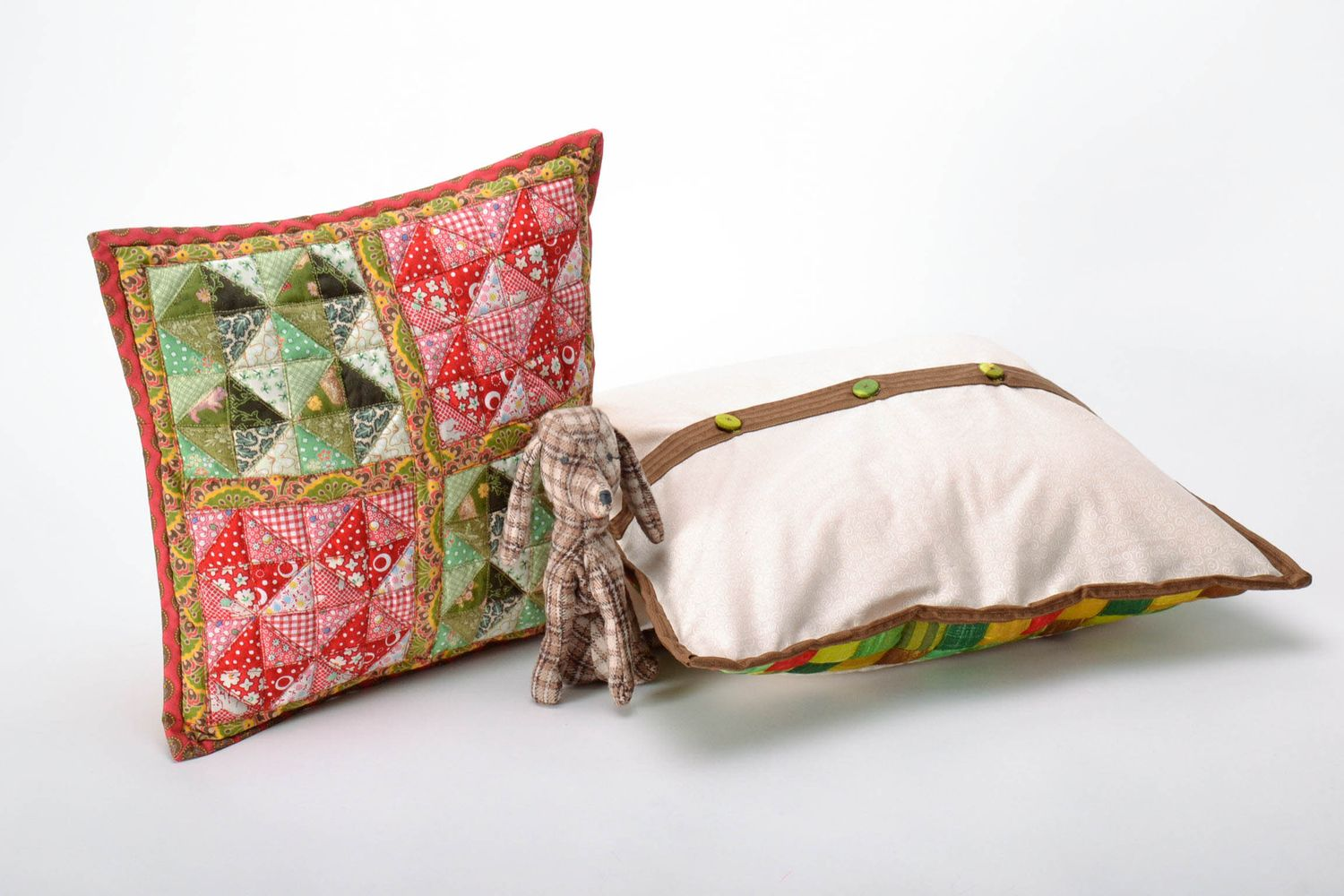Notice: Undefined variable: cat in /home/newmadeheart/prod/cache/volt/%%home%%newmadeheart%%prod%%app%%views%%product%%index.volt.php on line 139  Soft Pillow