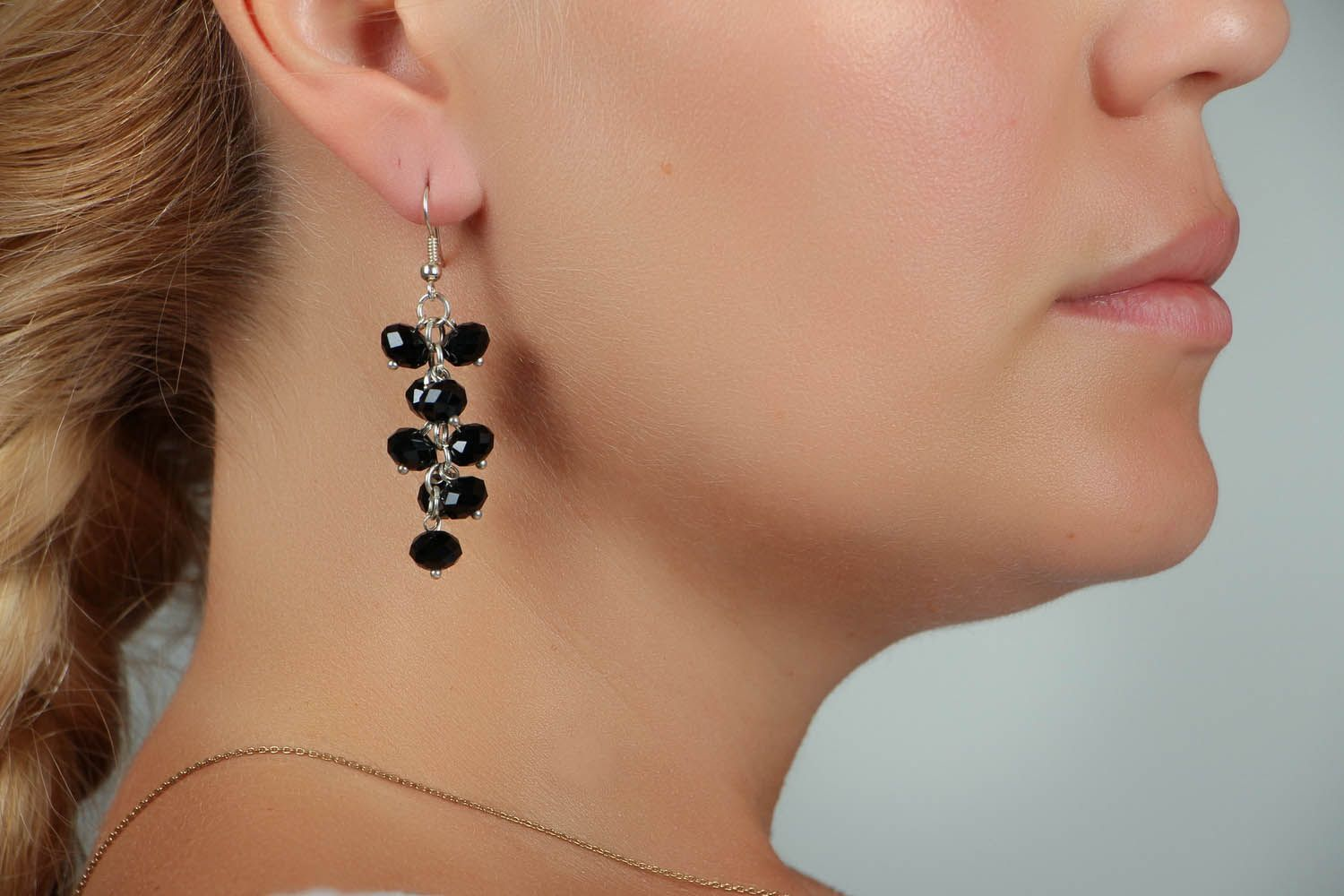 Black crystal earrings photo 5