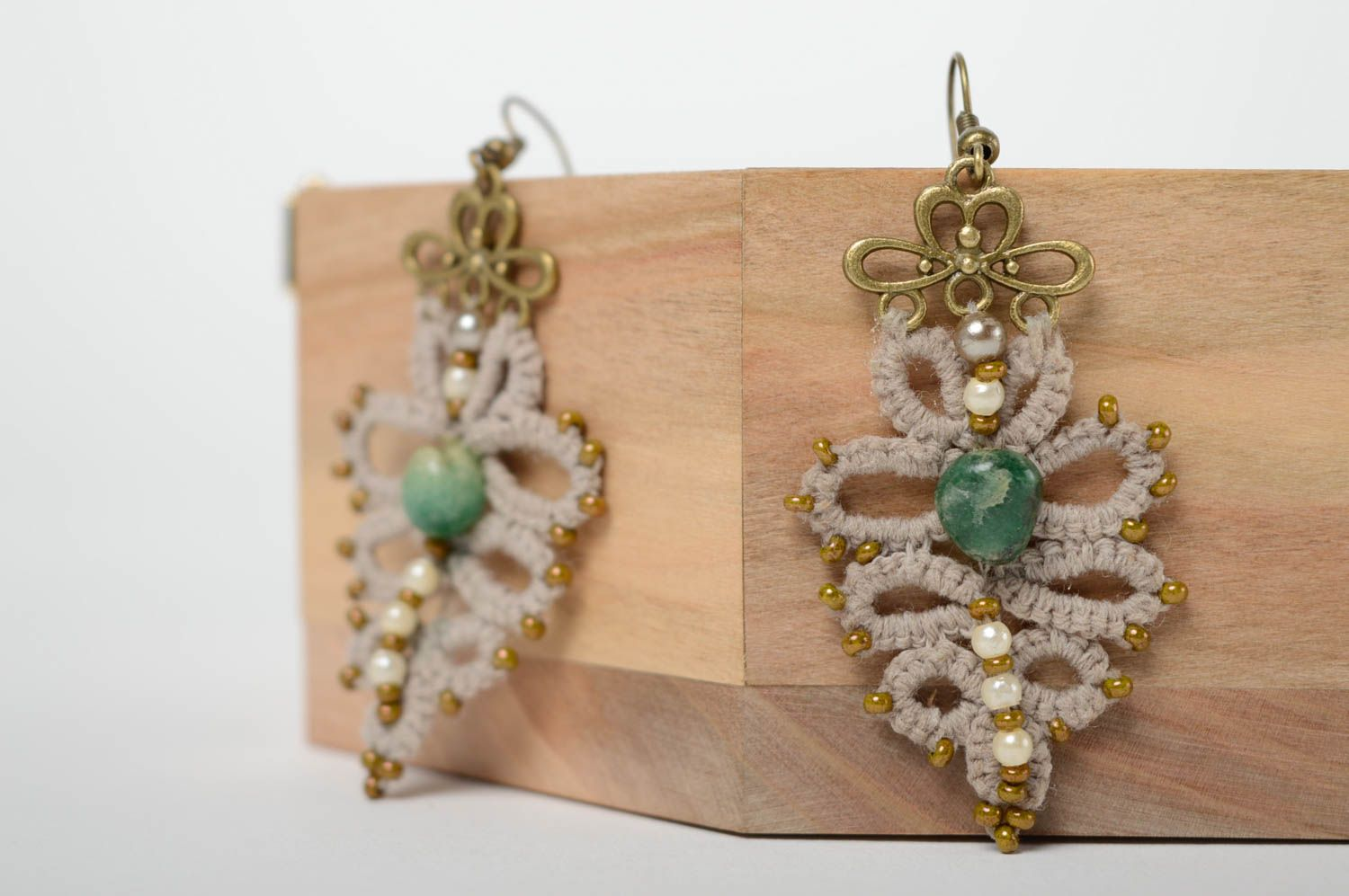 Crochet tatting earrings with natural stone photo 1