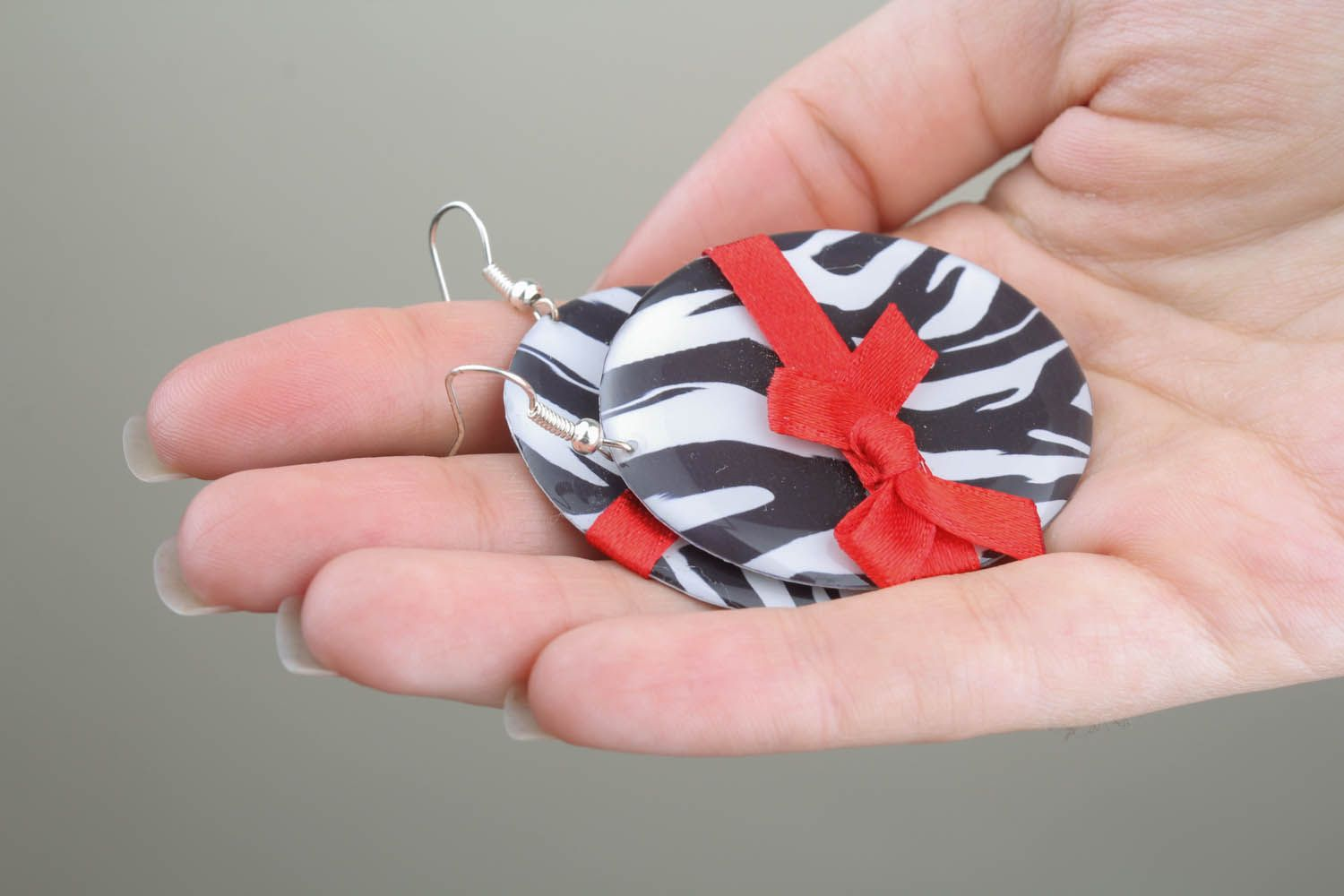 Earrings with bows photo 5
