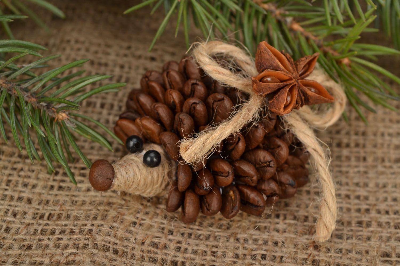 Ежики из кофейных зерен своими руками мастер класс