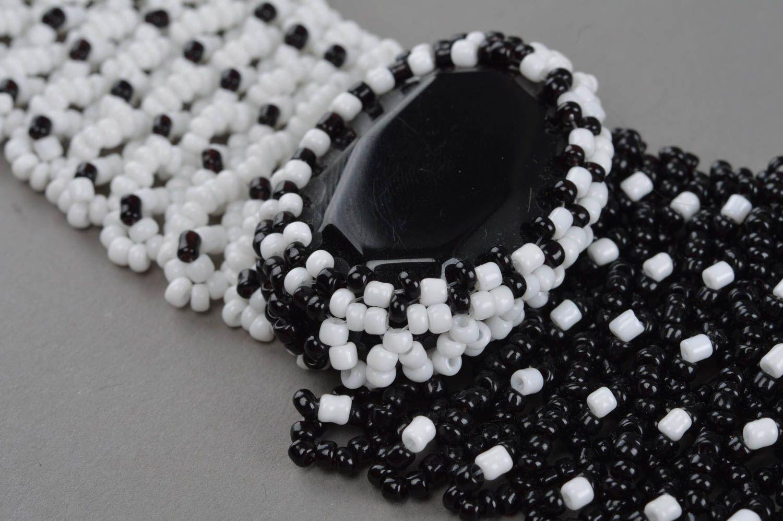 Handmade Collier aus Glasperlen mit Schmuckstein in Schwarz und Weiß für Damen foto 4