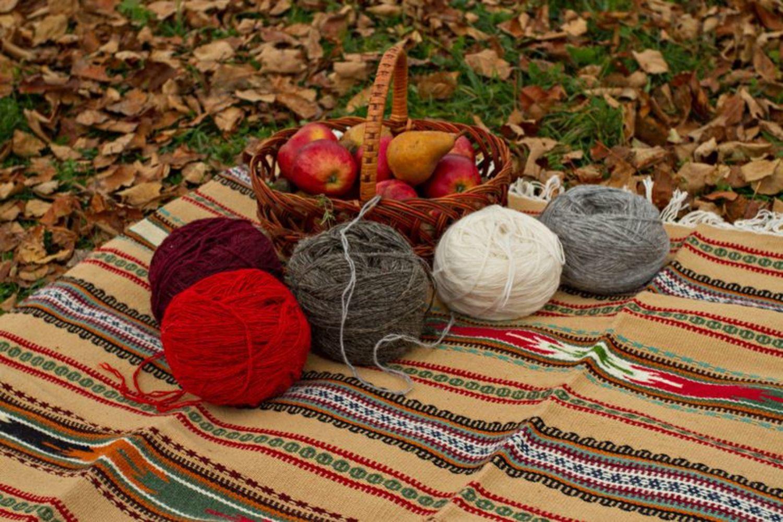 Alfombra de lana hecha a mano - MADEheart.com