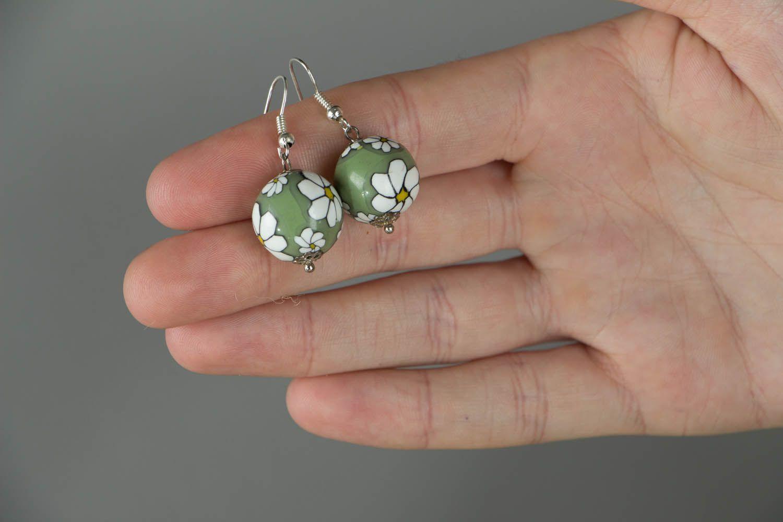 Künstlerische Ohrringe aus Polymerton foto 4