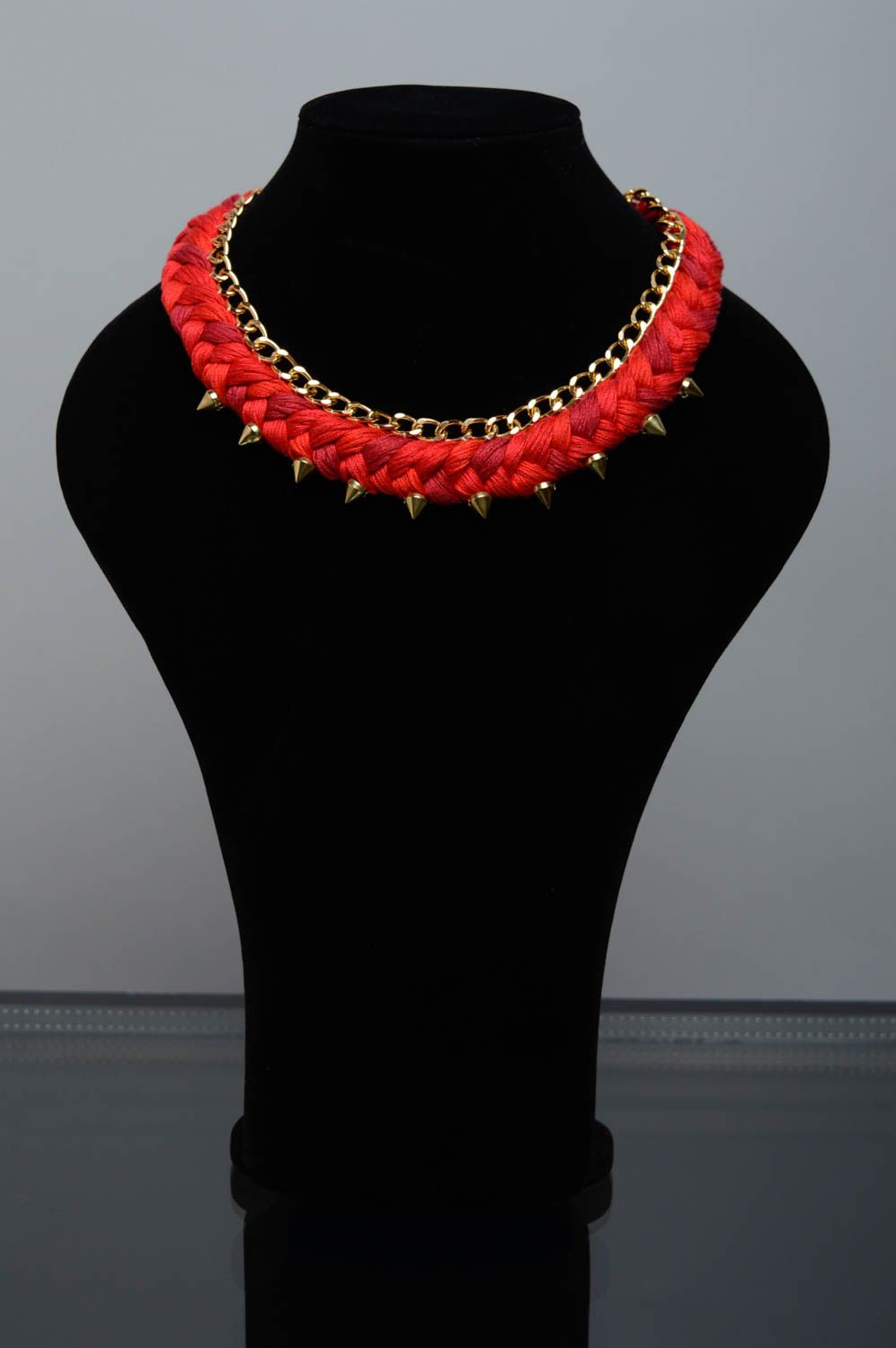 Red thread necklace with studs photo 2