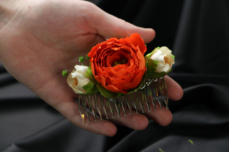 Satin hair clip with flowers photo 4