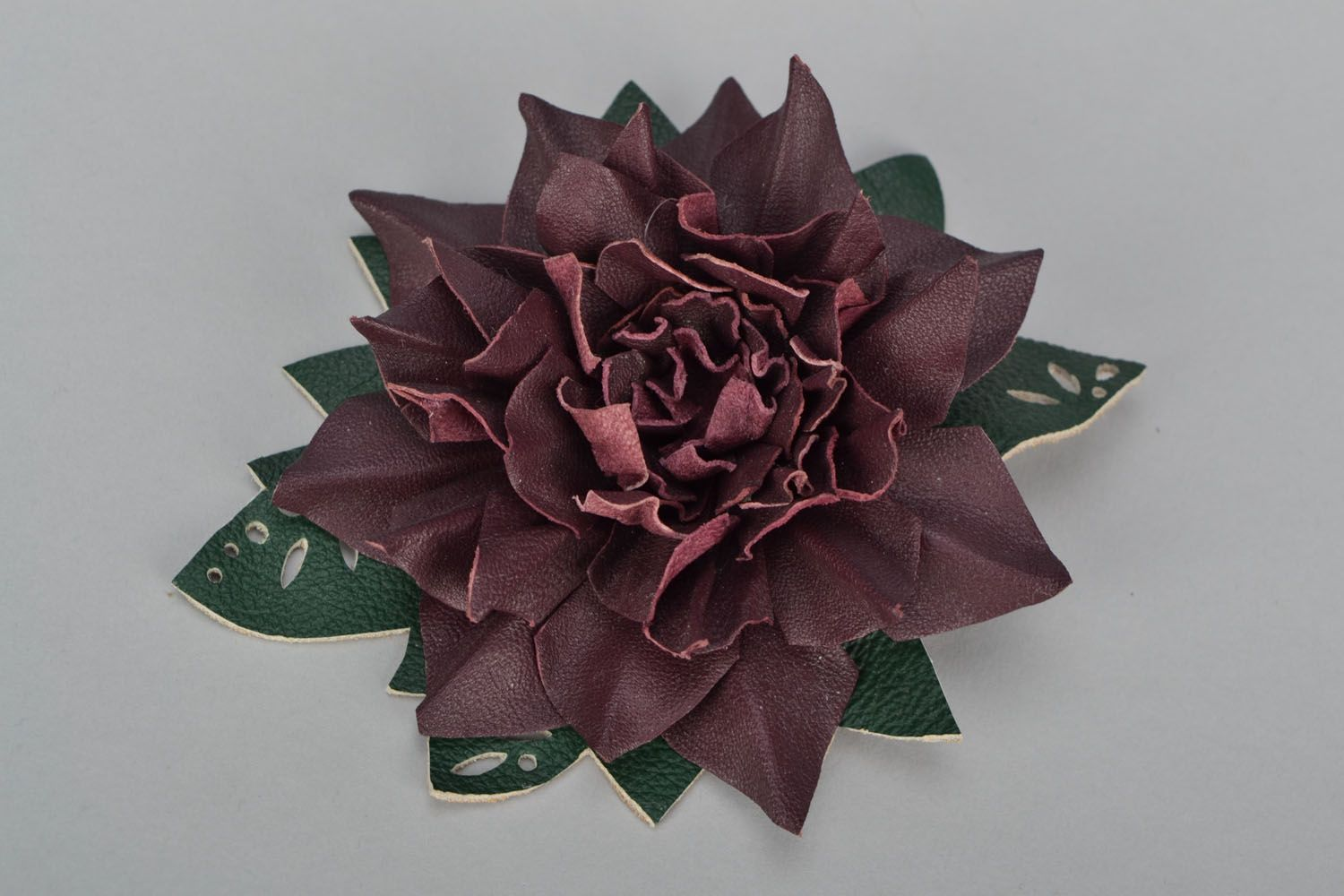 Leather flower brooch hair clip photo 1