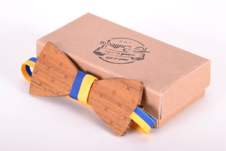 madeheart n ud papillon fait main en bois avec mouchoir. Black Bedroom Furniture Sets. Home Design Ideas