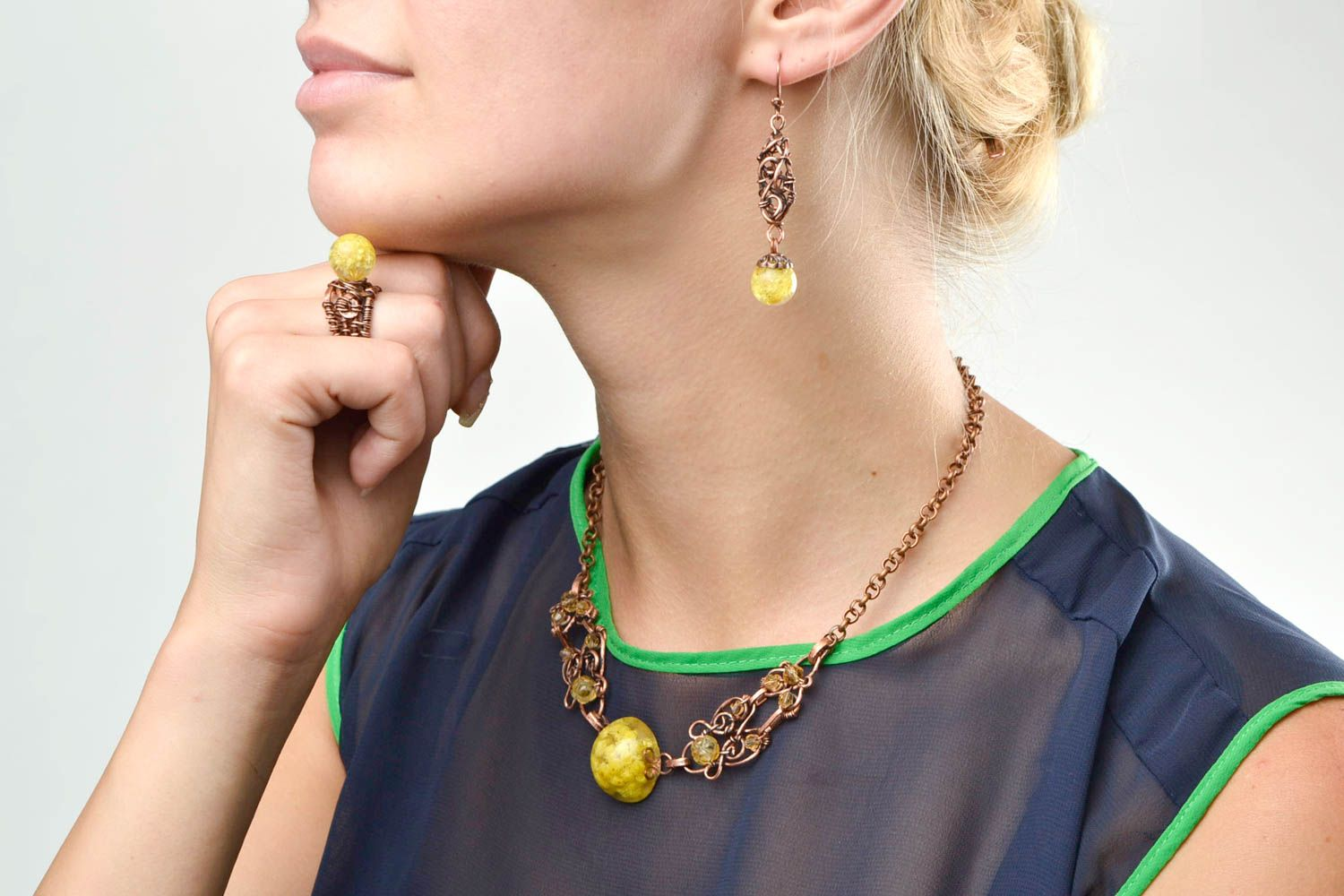 Handmade jewelry set wire wrap necklace dangling earrings seal ring gift for her photo 2