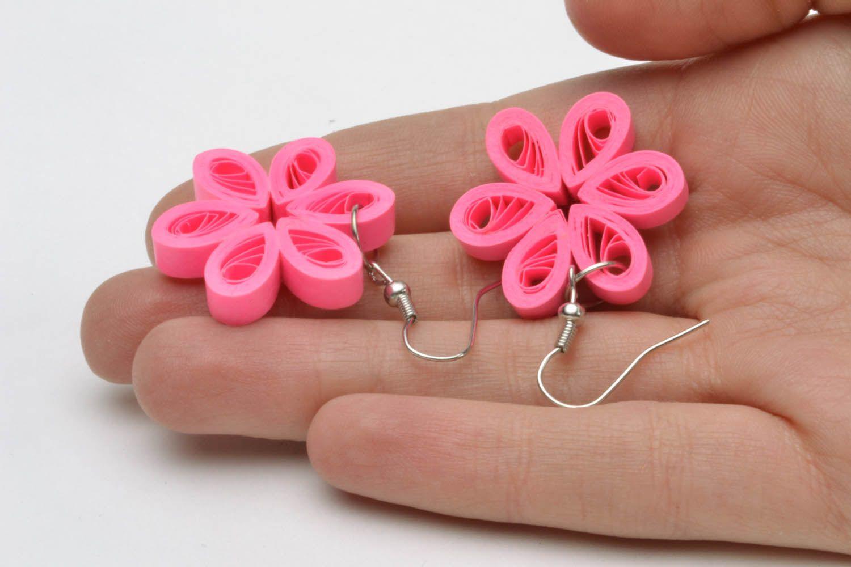 Flower-shaped paper earrings photo 2