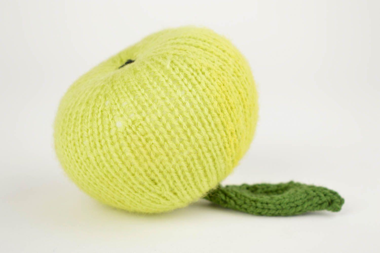 Вязание зеленое яблоко