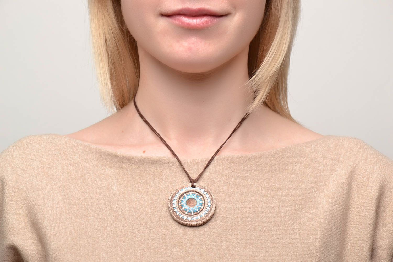 Ceramic pendant with ornament in ethnic style photo 2