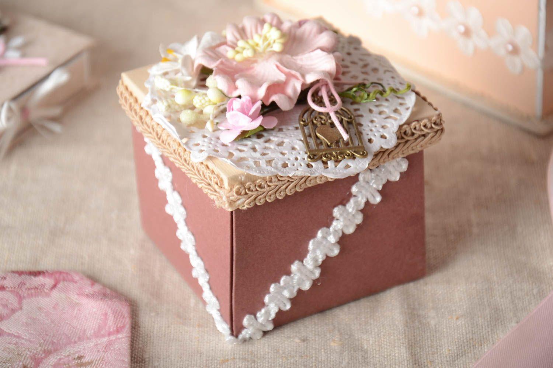 Подарочная коробка своими руками: 30 простых идей