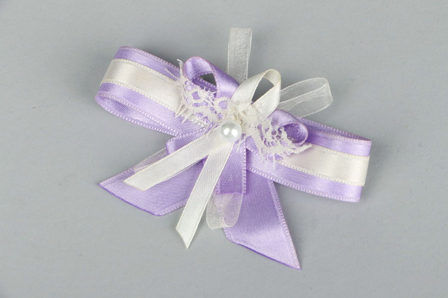wedding accessories Boutonniere for Groomsmaids - MADEheart.com