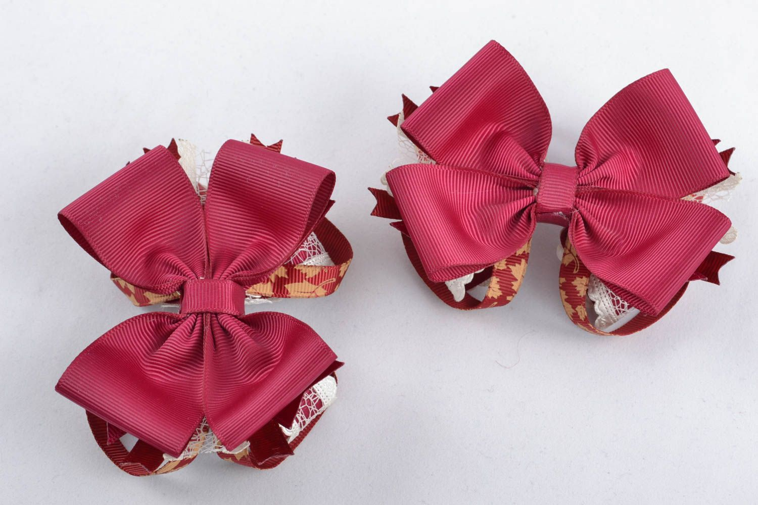 Deep red bow for hair clip photo 1