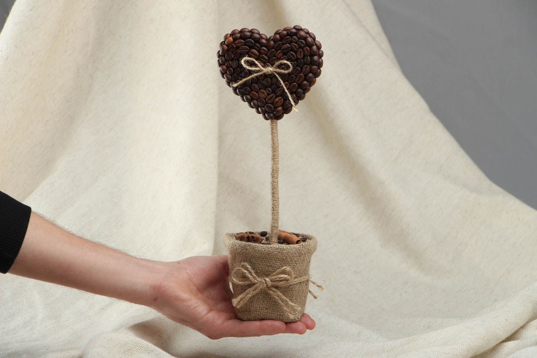Heart-shaped coffee topiary photo 4