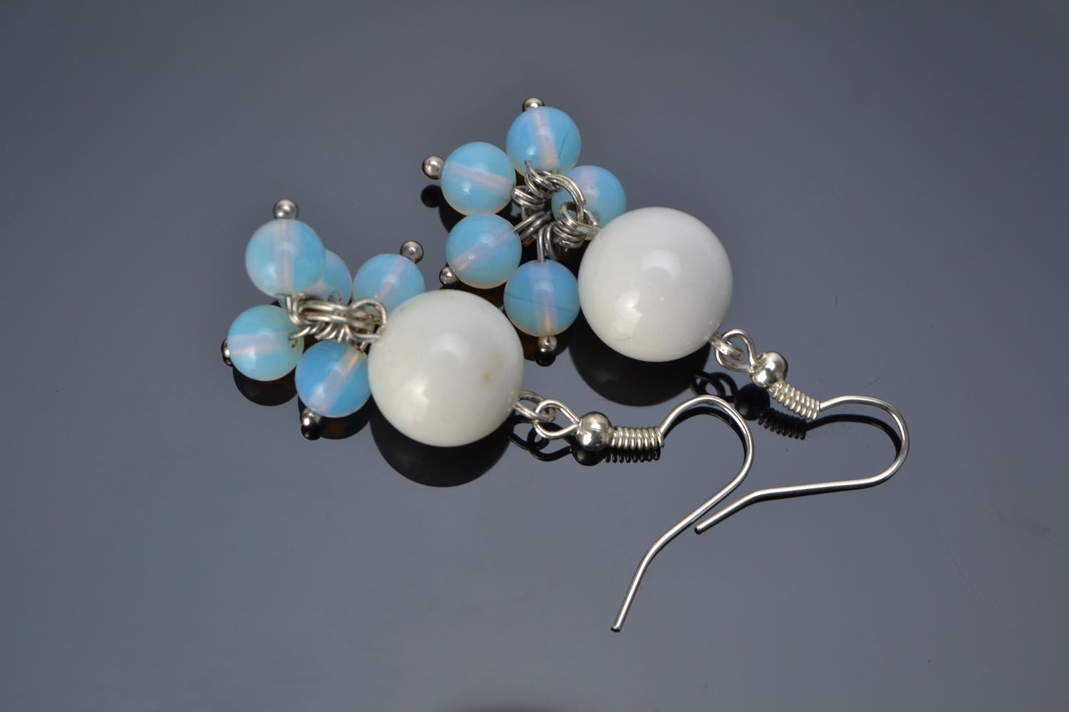 Earrings with white agate and moonstone photo 1