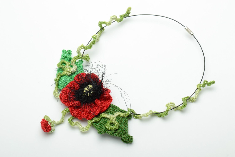 Homemade women's crochet flower necklace photo 2