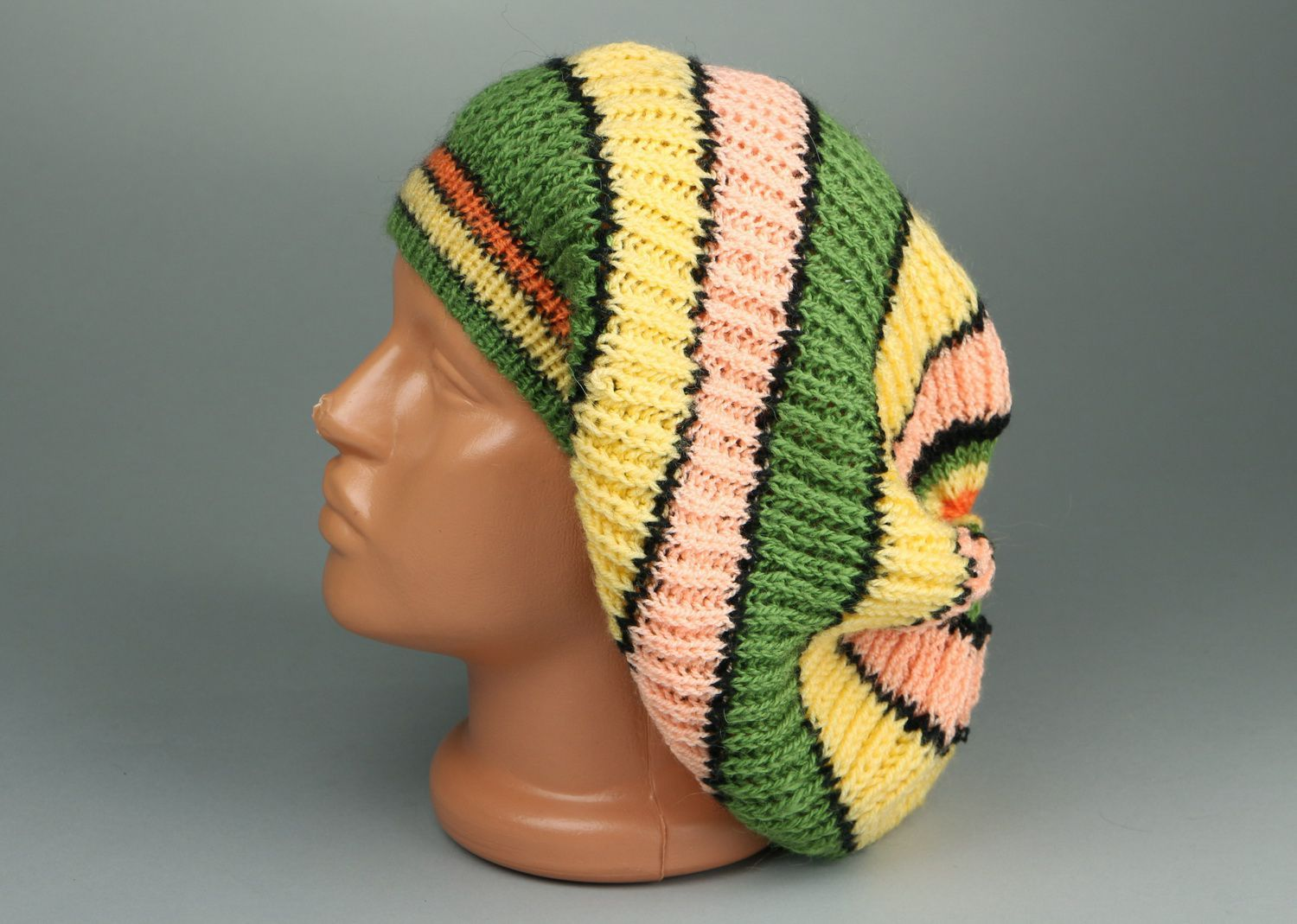 American knitted green & yellow beret photo 4