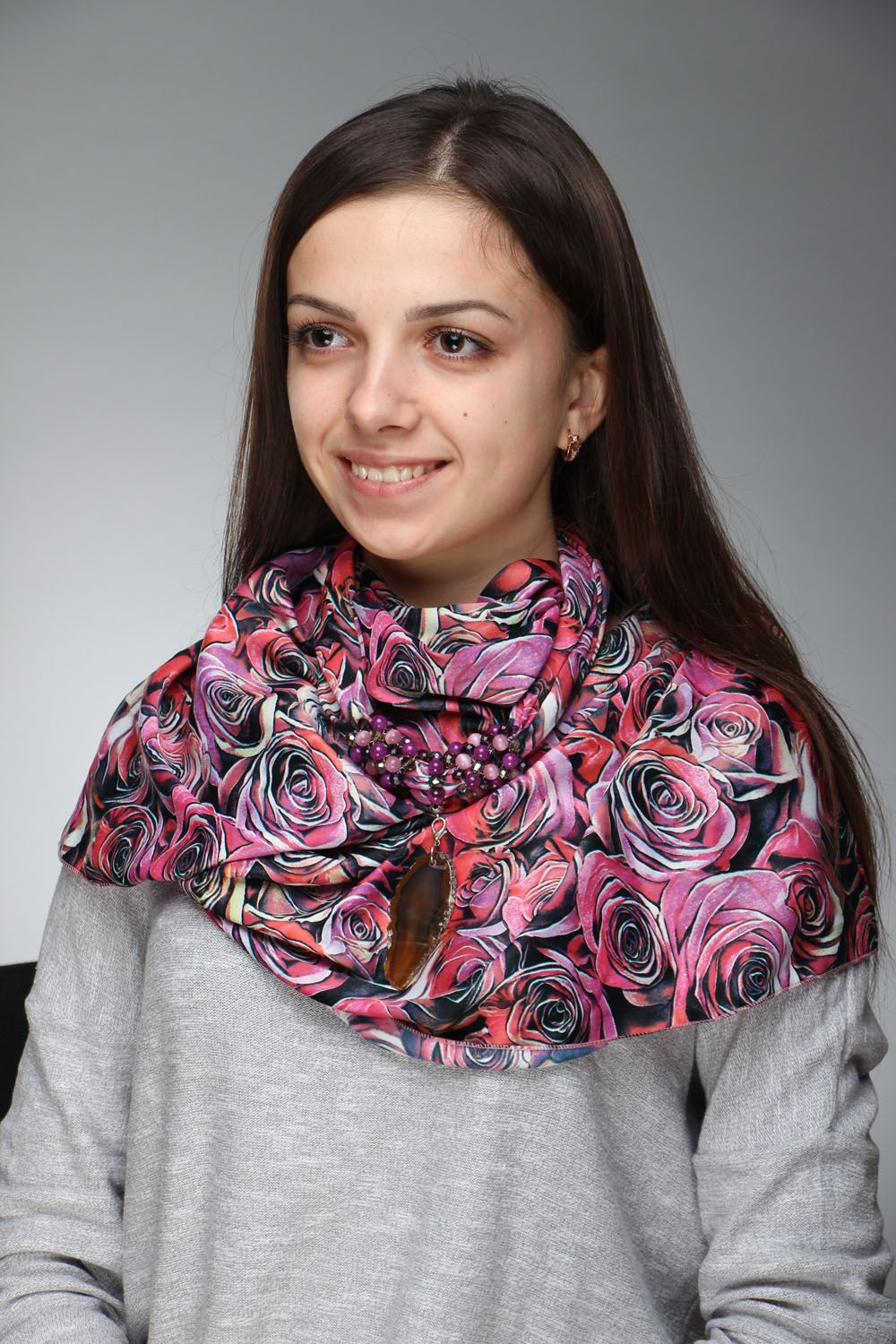 scarves and tippets Neck scarf with natural stones - MADEheart.com