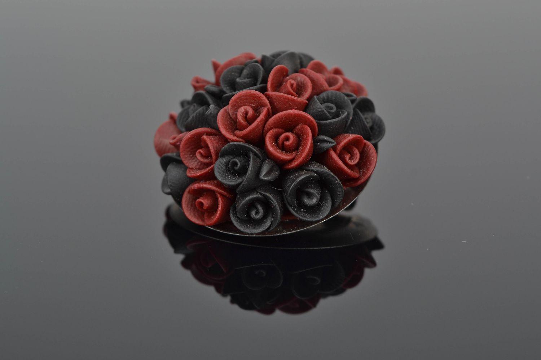 Schöne Brosche aus Polymerton Schwarz Bordeaux foto 1