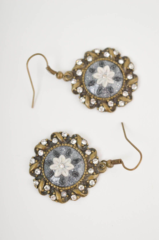 Модные серьги украшение ручной работы маленькие серьги из полимерной глины фото 2