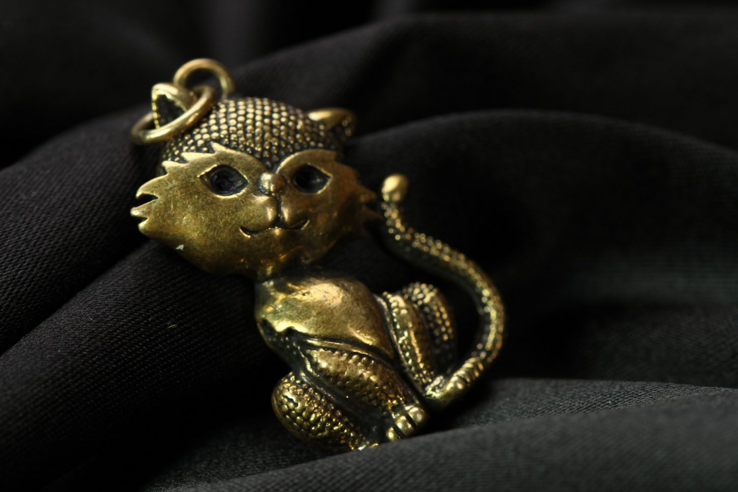 Bronze pendant in the shape of kitty Miss Charm photo 1