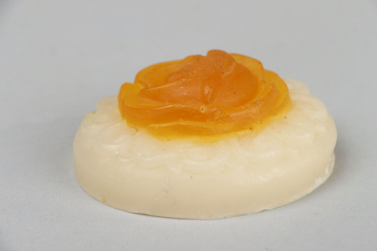 Soap on the basis of yellow clay Rose photo 2