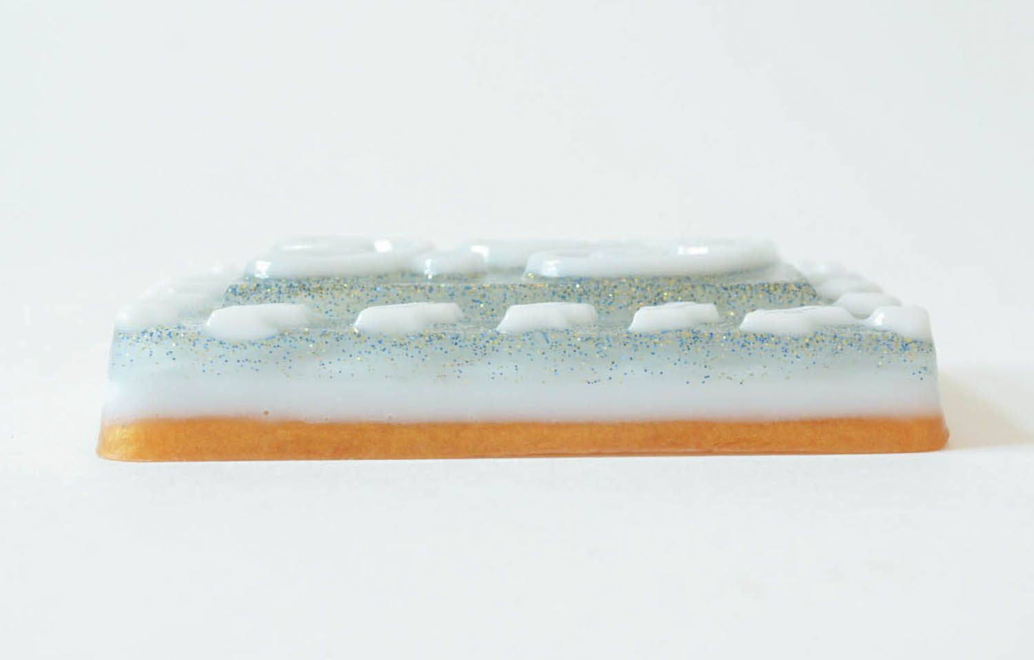 Gentle soap with natural oils photo 1