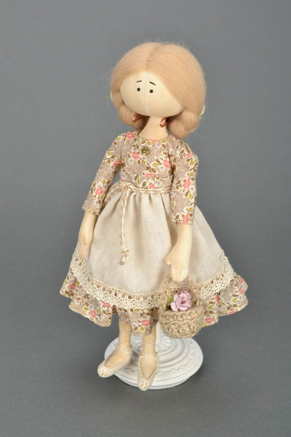 Design soft doll Girl with a Basket photo 1