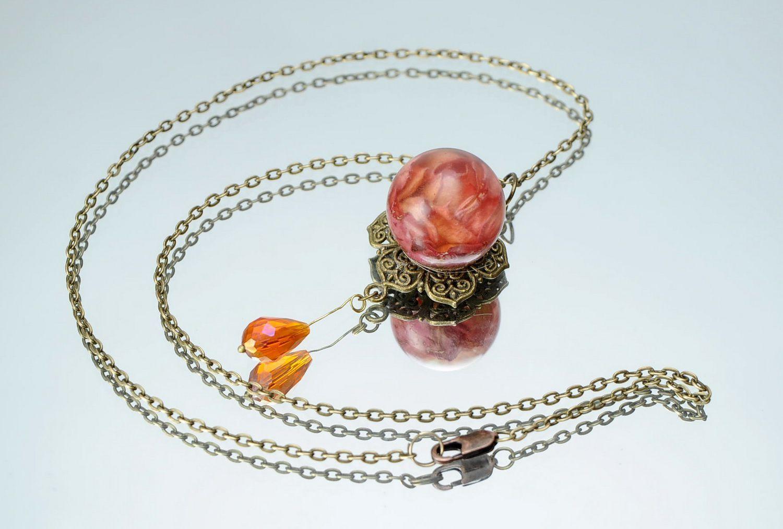 украшения из эпоксидной смолы Кулон с лепестком оранжевой розы - MADEheart.com