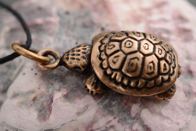 Bronze pendant Turtle photo 1